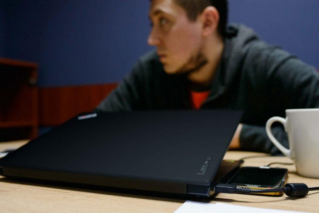 Верный соратник Жени Шевченко - ноутбук ThinkPad от Lenovo