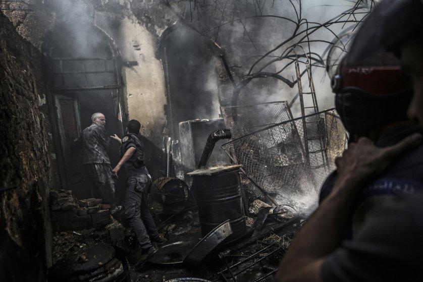 Airstrike on rebel-held city of Douma