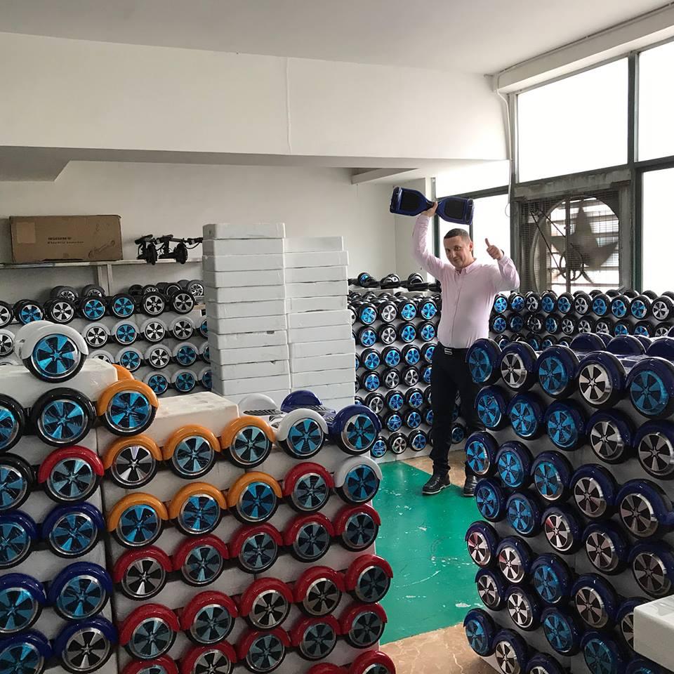 «Я зарабатываю $2 млн в год на китайских товарах». Как продавать селфипалки с пятикратной наценкой