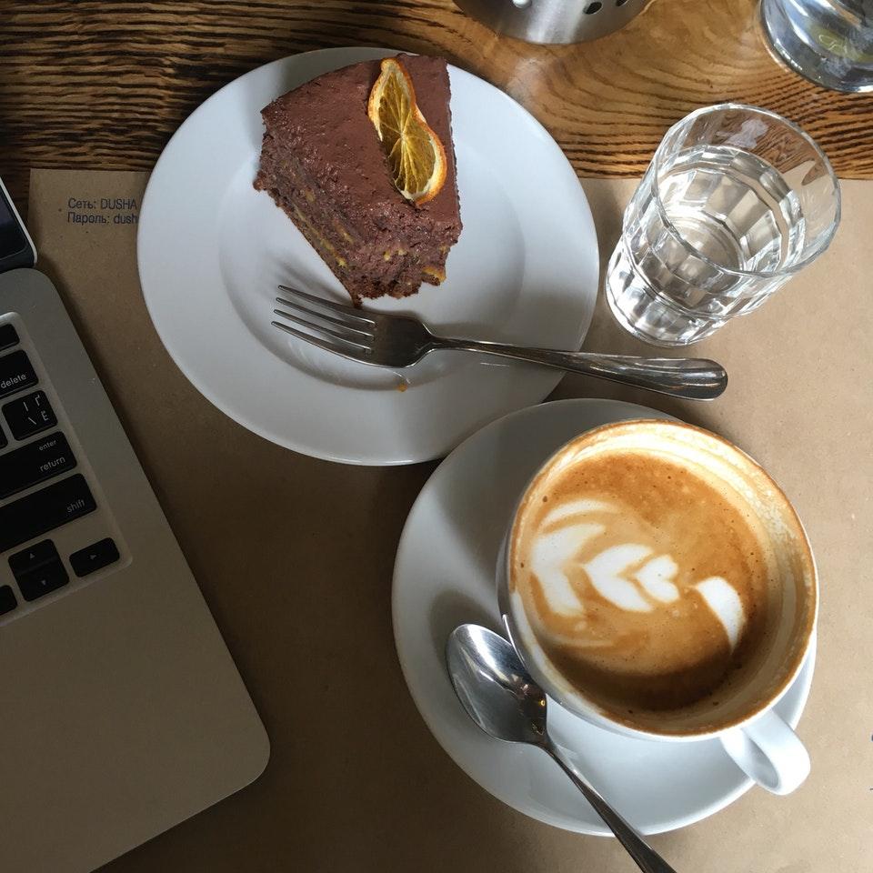 Кофе и десерт в кофейне «Душа»