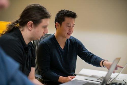 Джон Ким с командой