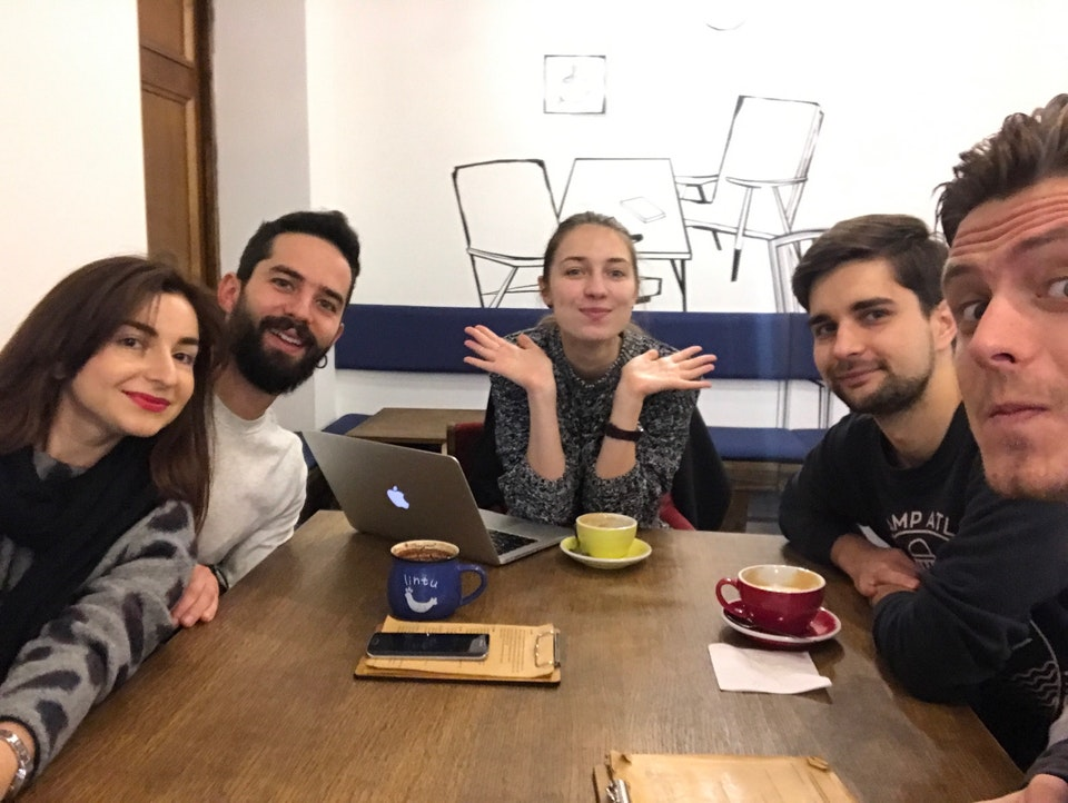 Кафе «Хармс» и его посетители