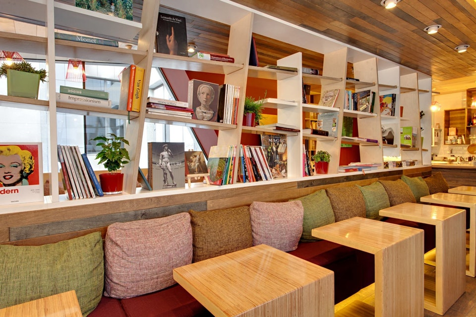 Интерьер кафе ONE LOVE