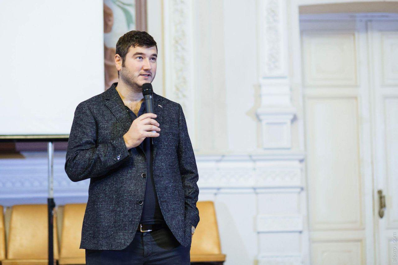 Павел Кравченко: что такое биткоин, как появились криптовалюты и почему они так дорого стоят