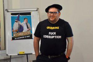 Один из авторов канала #SixArticlesToRead Владислав Рашкован. Фото: capschool.com.ua