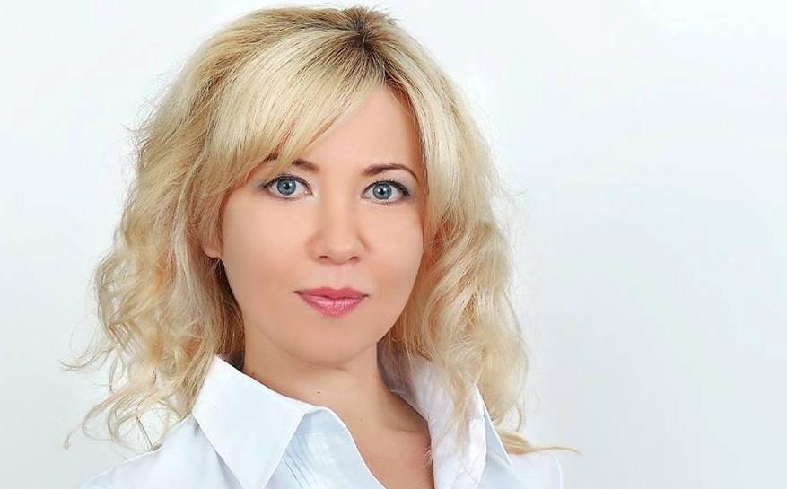 Юлия Правик делает блокчейн-конференцию, продвигает блокчейн-стартап, меняет фамилию и осуждает «понаехавших»