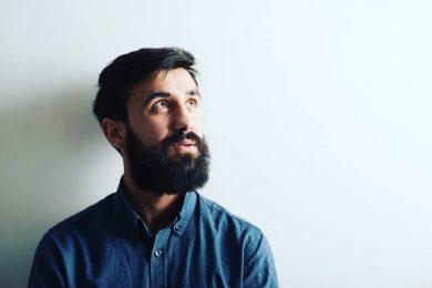 «Я работал по 14 часов в день, 28 дней в месяц». История парикмахера из Ивано-Франковска, который переехал в Киев и открыл бизнес мечты