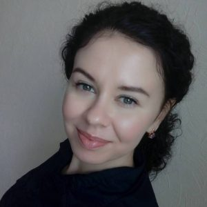 Оксана Чергинец-Аверина, «Країна»