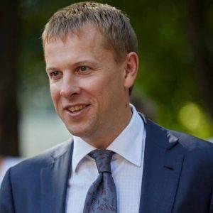 Виталий Хомутынник, депутат-миллионер, фактический владелец «Фокуса», по словам источника