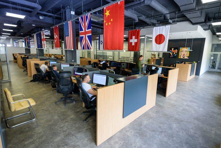 «Интеркасса» начиналась с трех человек и подвального офиса. Сегодня компания – лидер в Украине и работает на зарубежных рынках