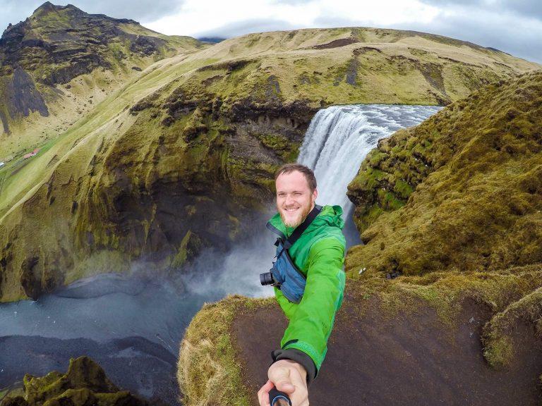 Максим в Исландии