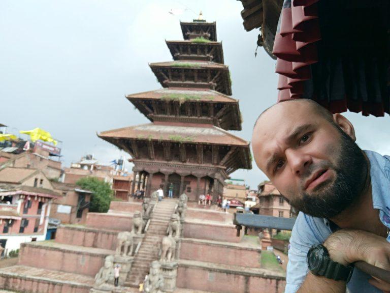 В Непале
