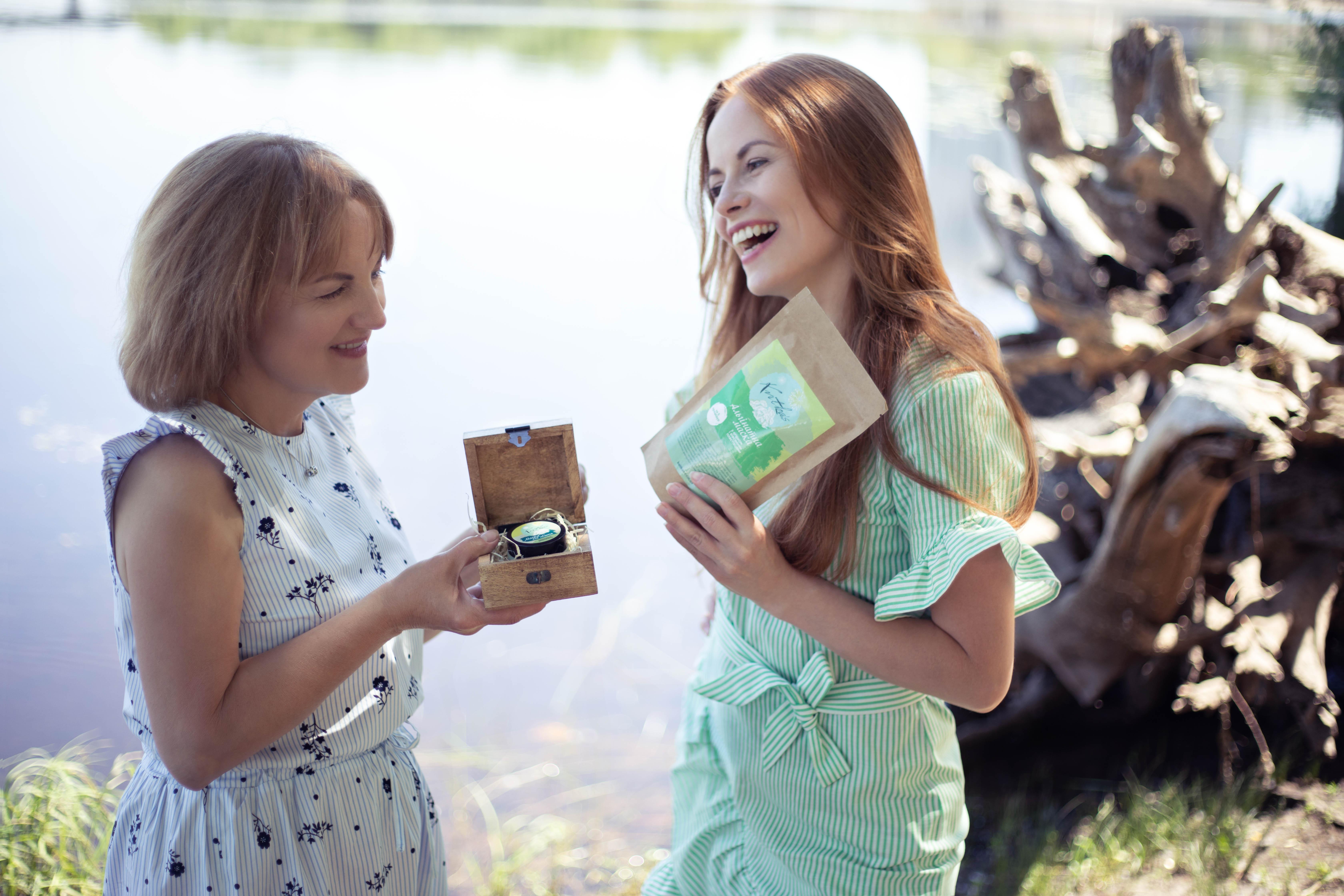 Дарья с мамой Светланой изготавливают всю косметику вдвоем