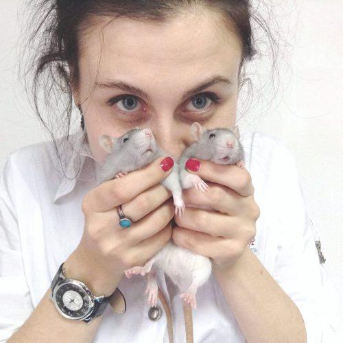 Анна Холостова