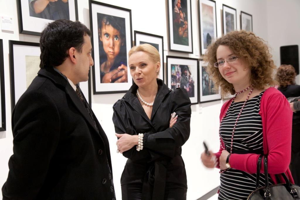 Вера Черныш на выставке современной фотографии в 2012 году