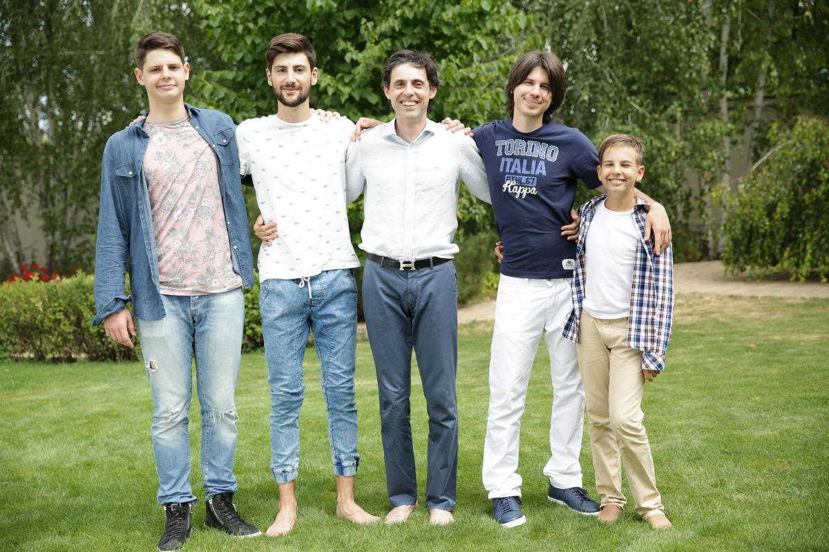 Владислав Бурда с сыновьями