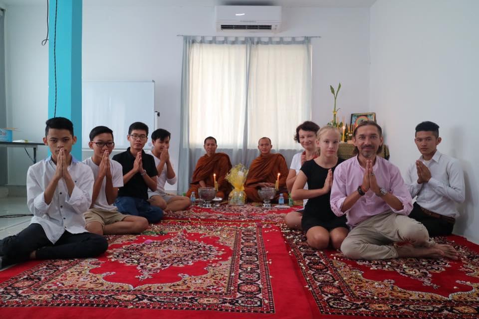 Студенты камбоджийского филиала академии