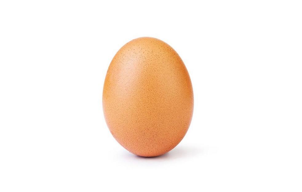 Фотографию куриного яйца лайкнули 25 млн человек. Это новый рекорд в Instagram