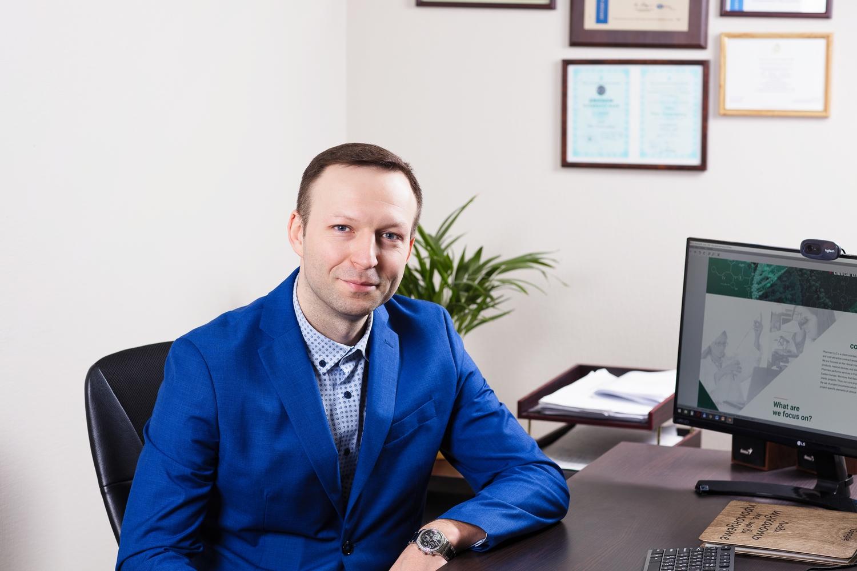 Юрий Лебедь, «Фармакси»