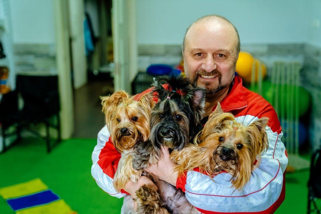 Сергей с «клиентами» Dog's Fit Club