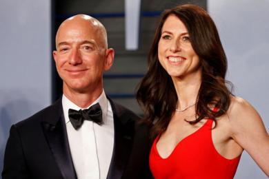 Супруги Безос официально развелись. Маккензи получила более $35 млрд