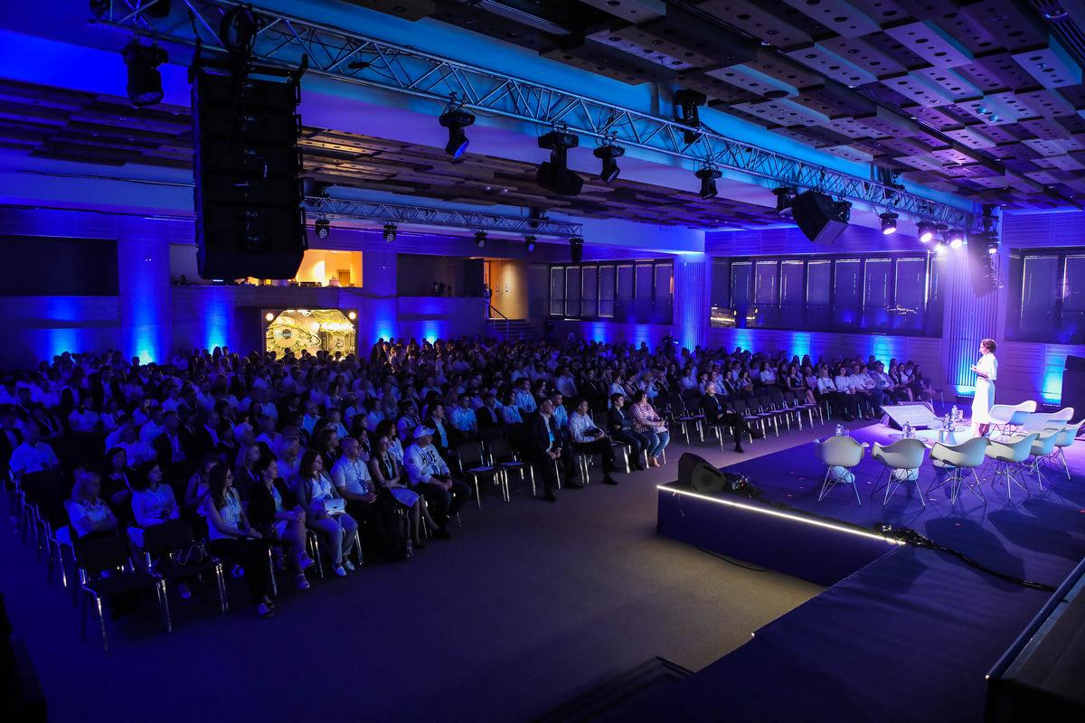 Як зекономити кошти бізнесу. Soсar, «Епіцентр» та інші розповіли на конференції «Форсайт 1.9. Майбутні»