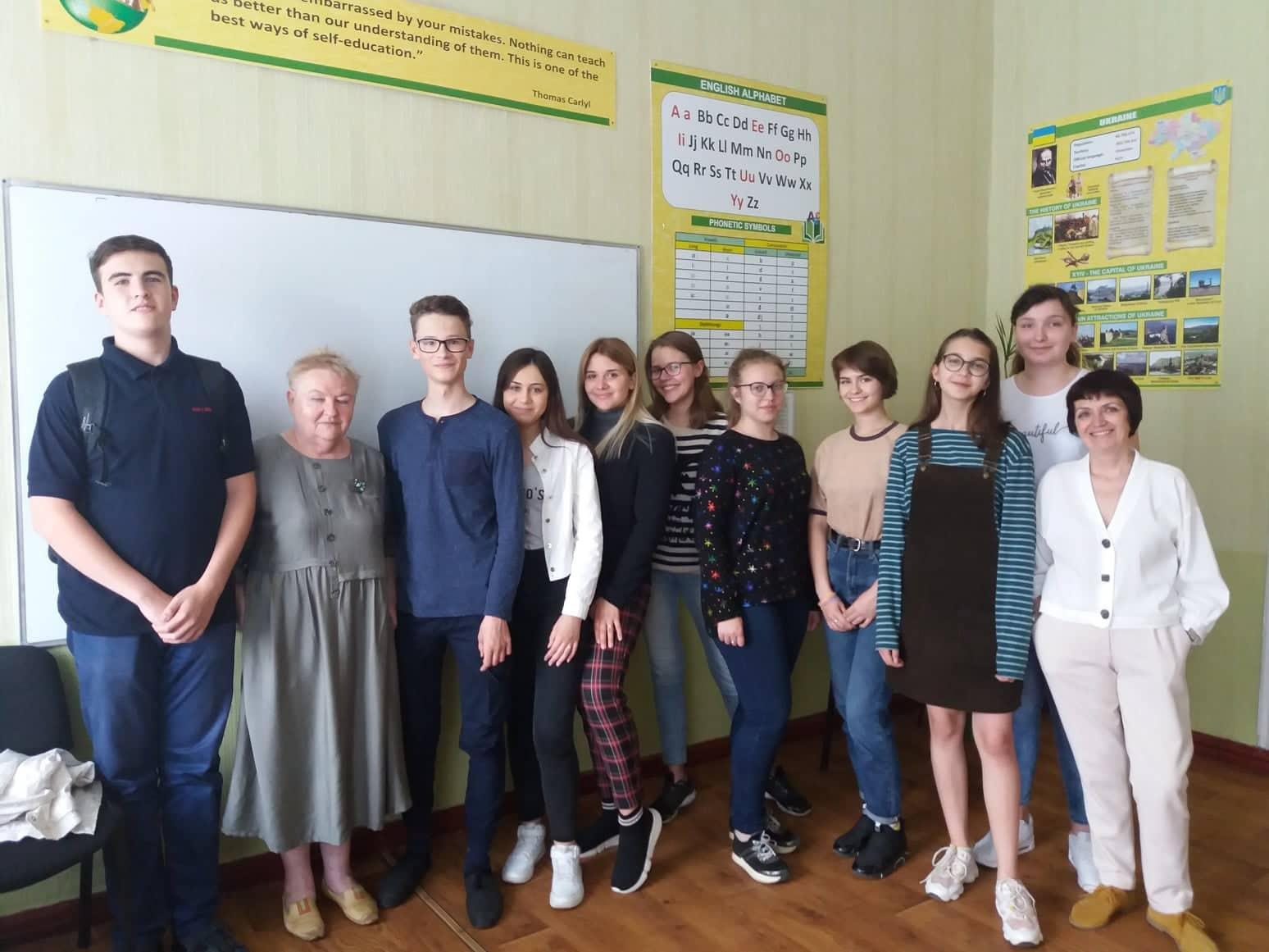 Учебная группа с преподавателями Ольгой Приходько и Валентиной Карповой