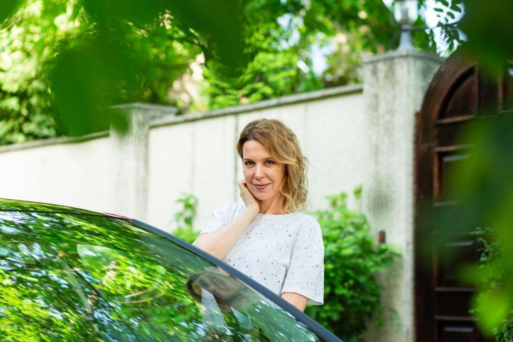 Юлия часто ездит в Европу на своем авто