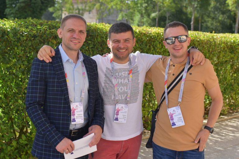 Виктор Жук с партнерами