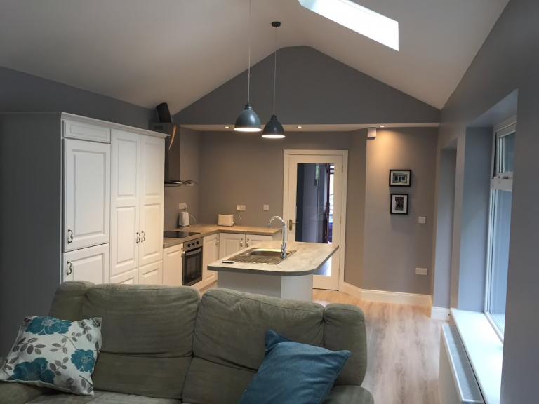 На фото гостинная дома в городе Waterford, 3 спальни, 120 евро в сутки