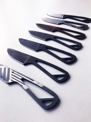 KravaKnives