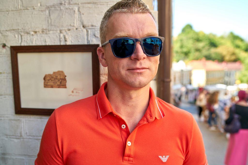 Первое дело Томчук с партнером запустил во время учебы в университете