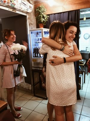 «Мила, у нас стол украли» или как открывала кофейню в 21 год