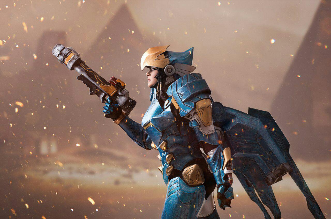 Костюм Фарры из игры Overwatch. Создан с использованием технологии аниматроники, крылья могут раскрываться автоматически