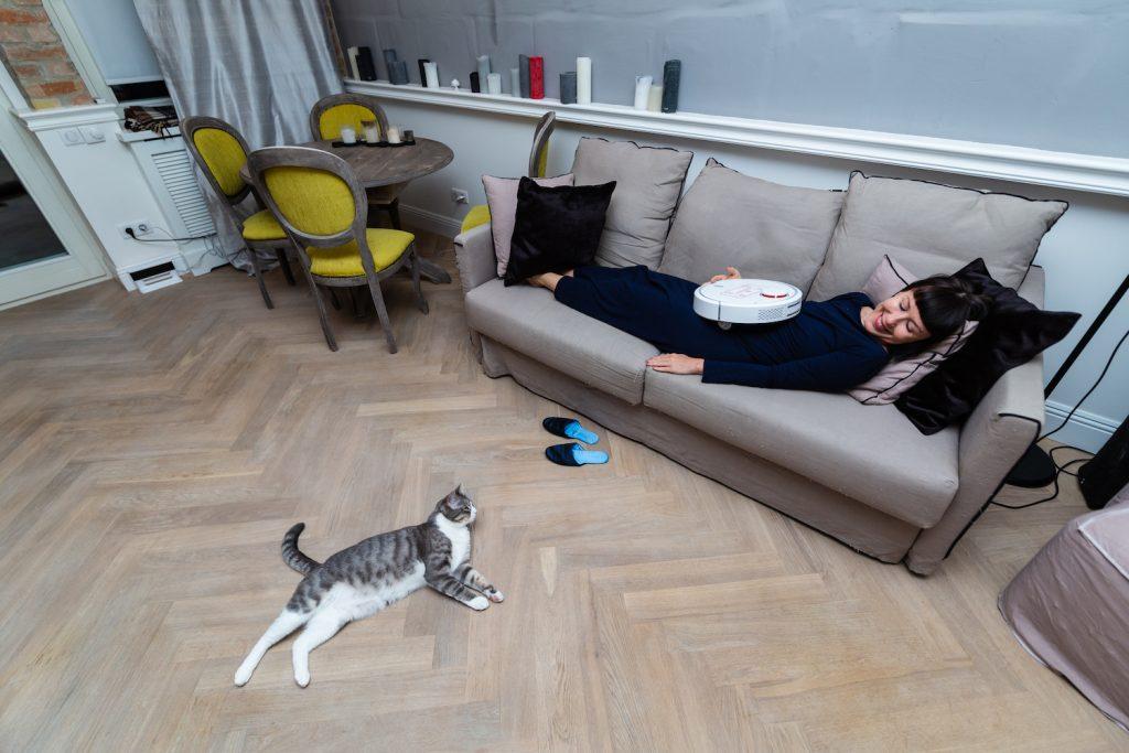 Вика и ее кот Дымочка