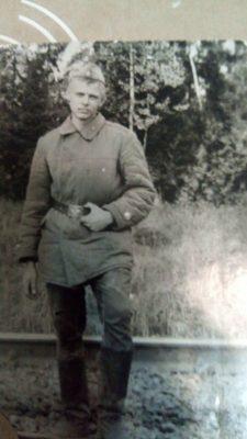 От дедовщины в армии «откупался» стихами: история одного поэта-призывника