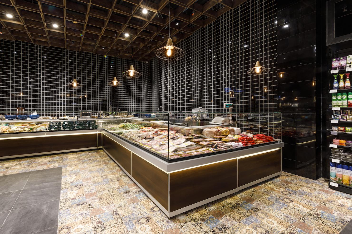 Оборудование компании «Айсберг» в супермаркете в Тегеране