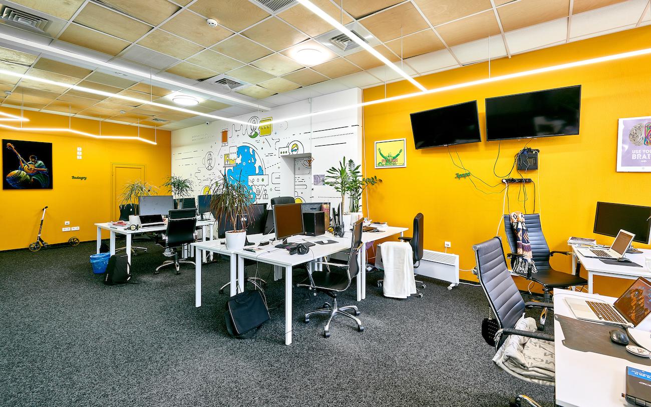 Офис Genesis