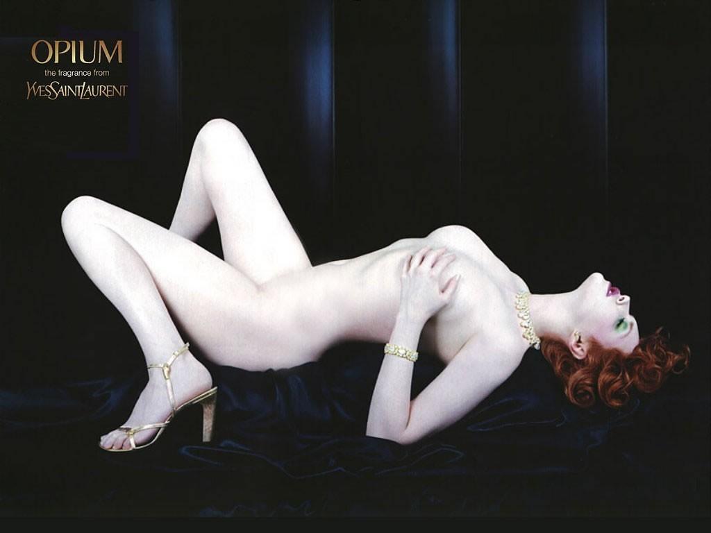 Реклама духов Opium бренда Yves St Laurent. Источник фото: Dazed