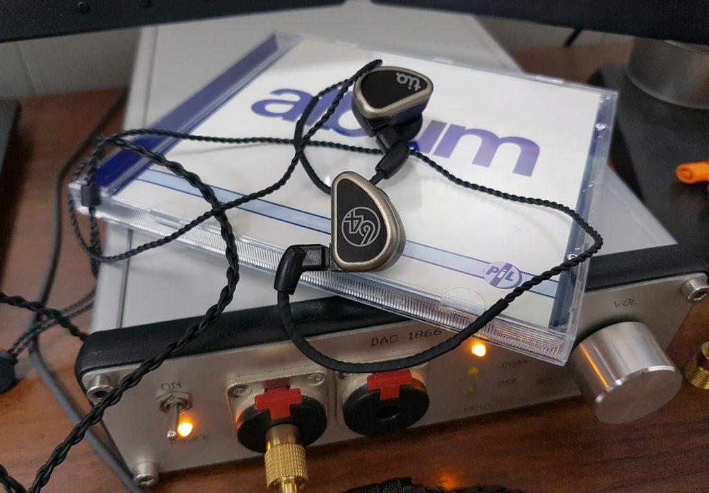 Модель 64Audio tia Trio