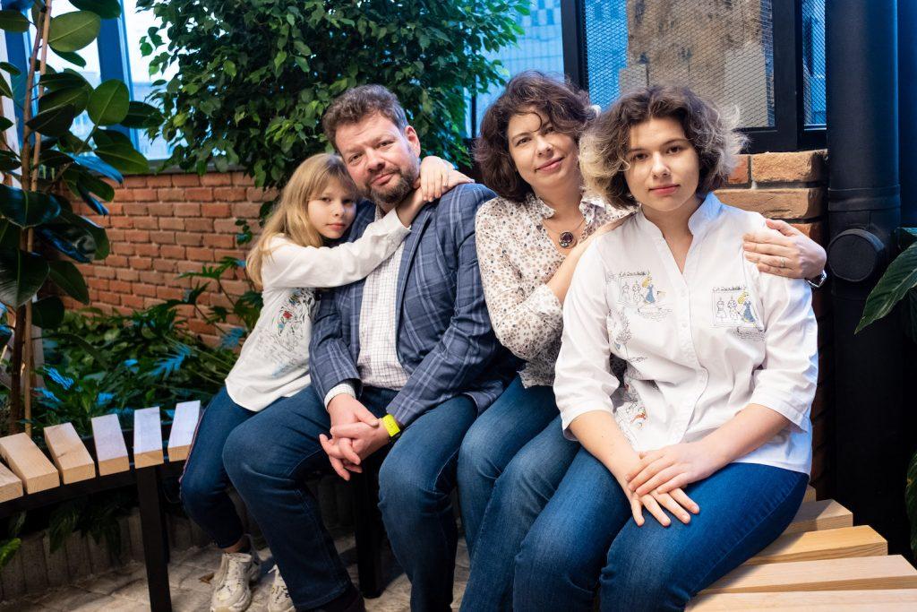 Петр Чернышов с семьей