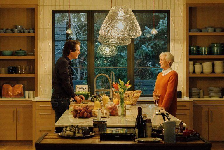 Кимбел и Мэй Маск беседуют по душам за готовкой. Фото: 1843magazine, Morgan Rachel Levy