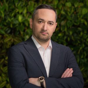 Артур Асатридис, серийный предприниматель, основатель игровой компании UpGames и инвестиционно-консалтинговой компании Asatria