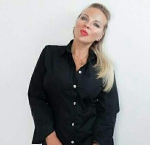 Анна Искрова
