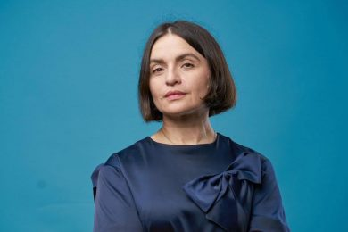 Почему халат - не лучший наряд для видеозвонка: 10 правил от Натальи Емченко, как не ударить лицом в грязь во время видеозвонка