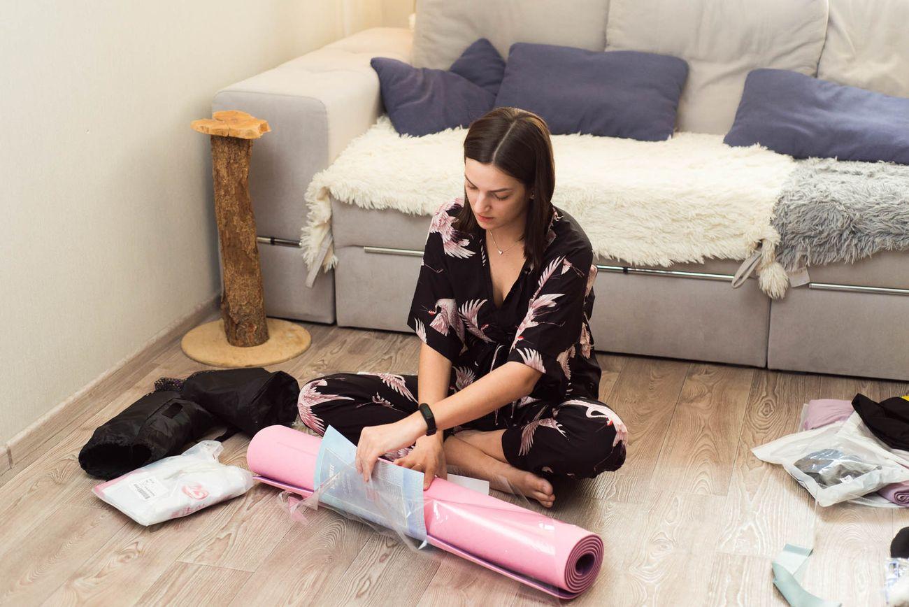 Сначала я выбрала коврик для йоги и бутылку