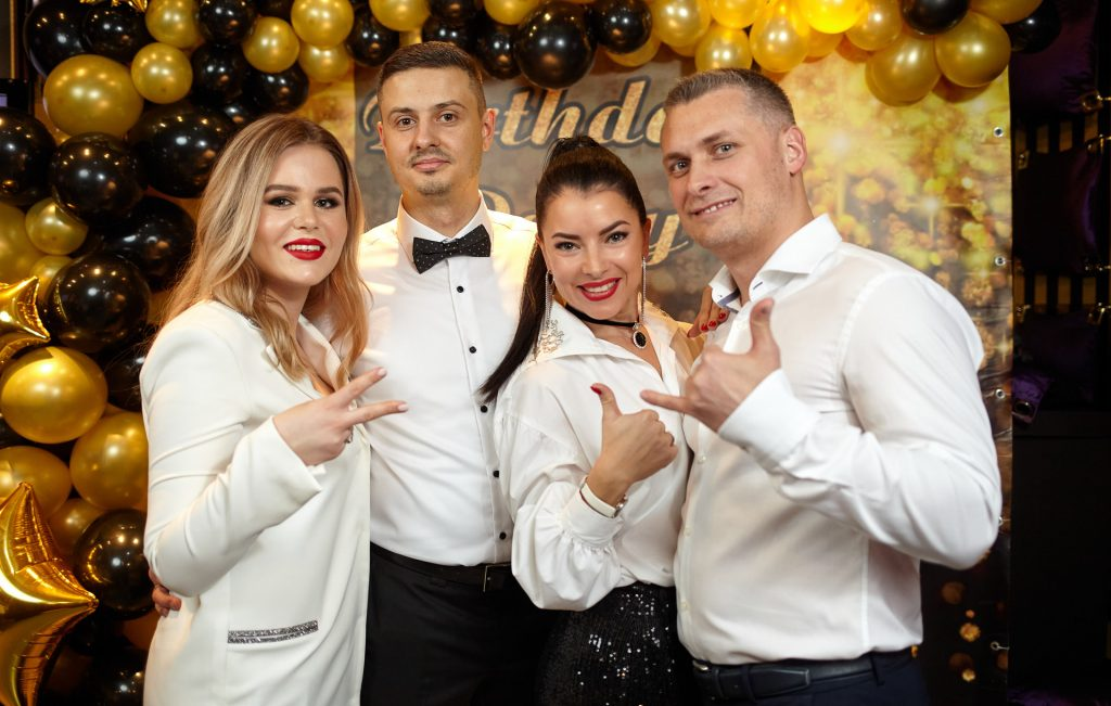 Александр Кухарчук и Виктор Замфир с женами