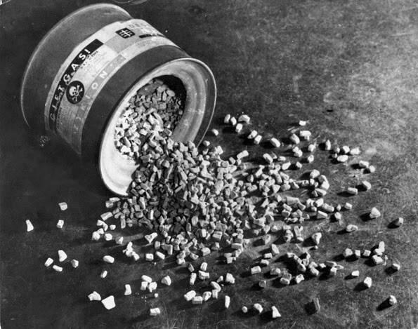 Газ «Циклон Б», разработанный компанией IG Farben. Фото: Мемориальный музей Холокоста в США.