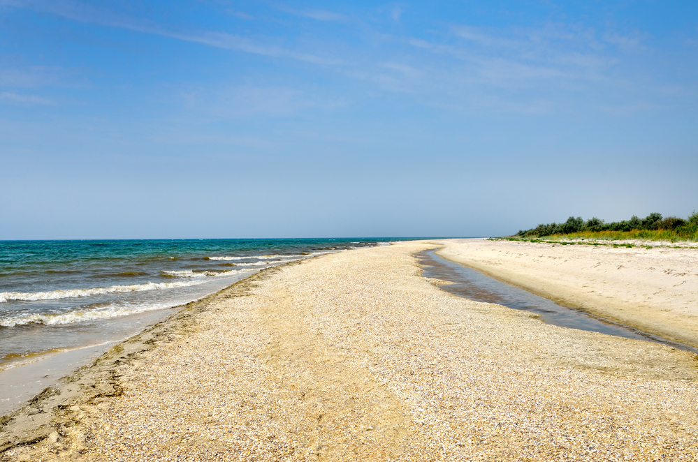 Пляжи Каролино-Бугаз