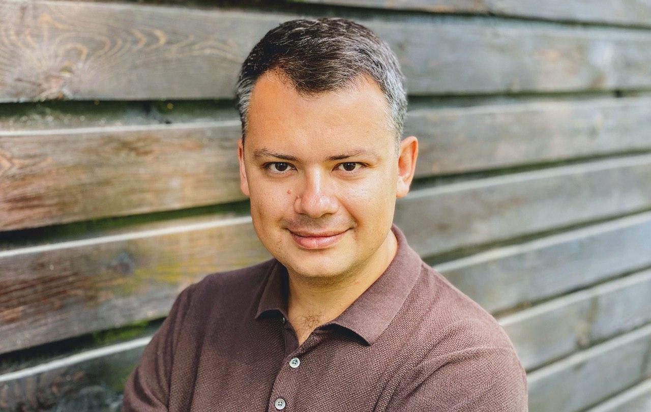Дмитрий Гуцал — руководитель Autobooking.com